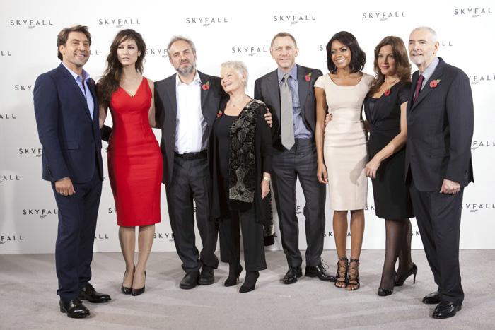 007: Координаты Скайфолл, Рухнувшие небеса/Skyfall 03