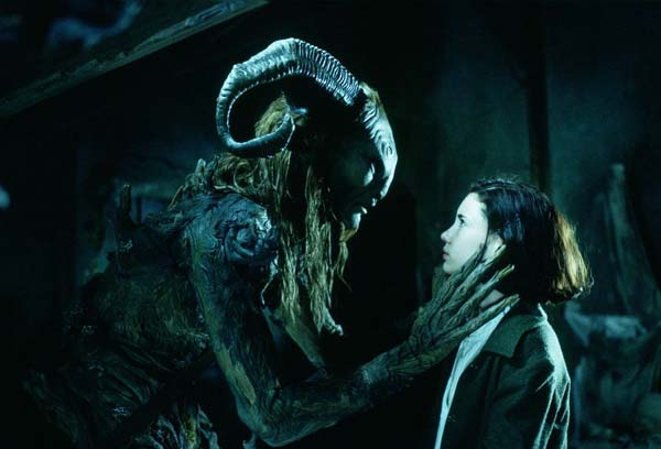http://www.kinokadr.ru/photoes/2006/10/17/panslabyrinth/00.jpg