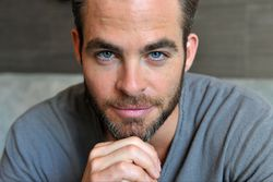 http://www.kinokadr.ru/photoes/2015/07/29/blog/chris_pine.jpg