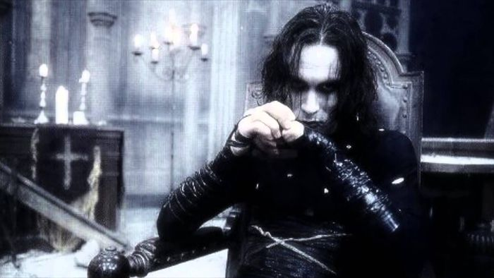 an analysis of the movie the crow The movie did a good job of bringing the story to its core, which is a revenge story where the crow comes back from the dead and avenges the death of his fiancee and himself i love the mythology of the crow bringing the spirit back from the dead to take care of unfinished business as well.